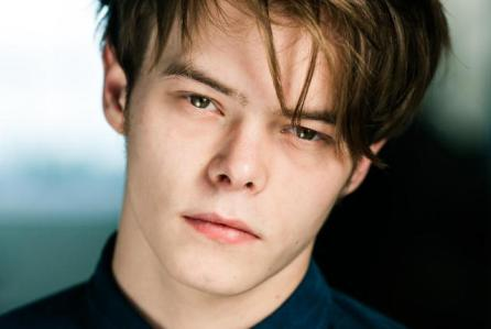 Charlie Heaton Wiki: Net Worth & Facts About Jonathan From 'Stranger Things'