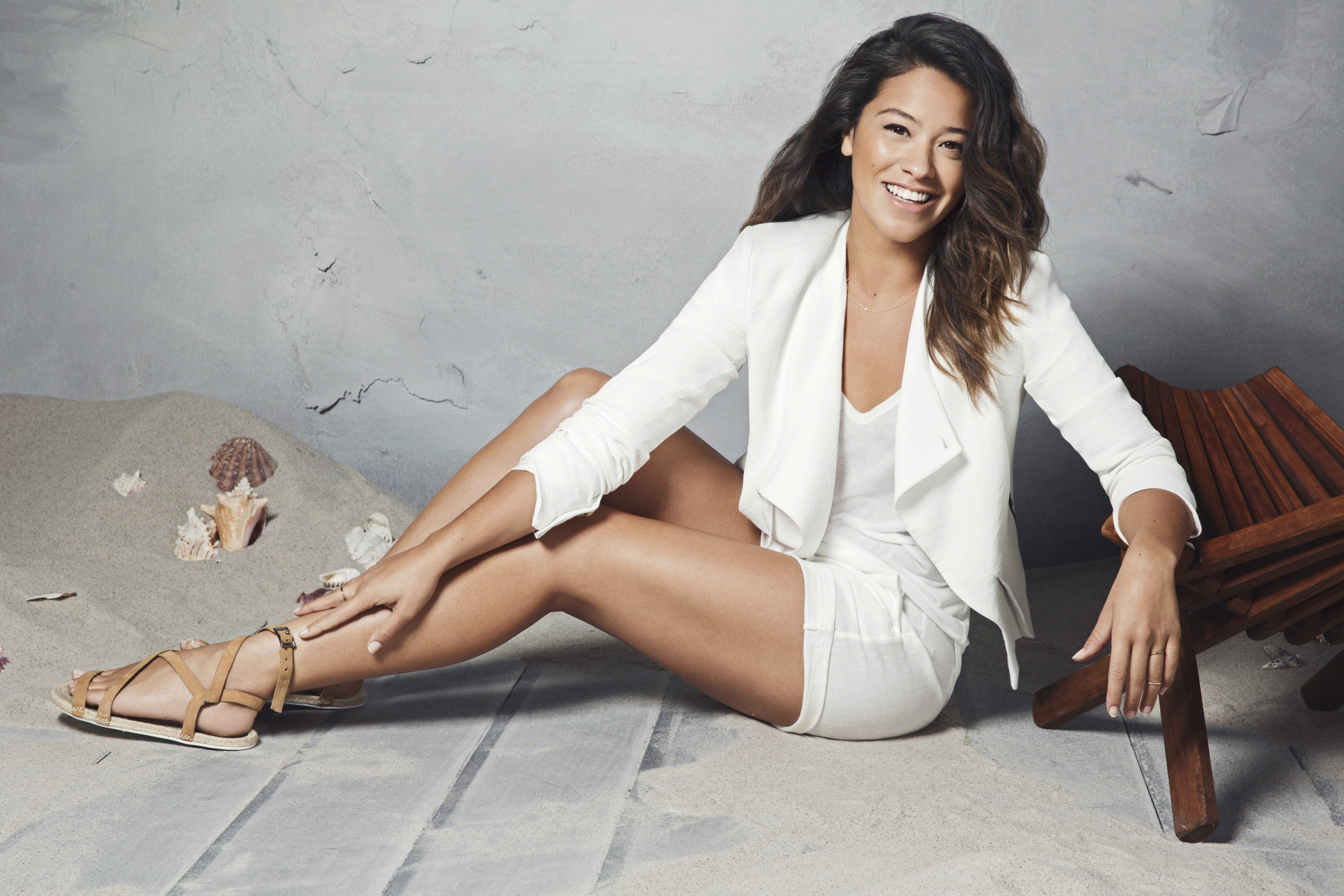 "Gina Rodriguez Wiki: 5 Facts To Know About  ""Jane The Virgin"" Star"