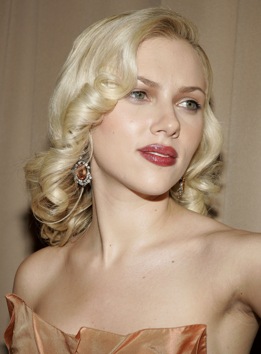 Scarlett Johansson Wiki: Net Worth, Movie, Forbes Celebrity 100 & Facts To Know