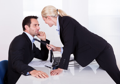 15 Signs Of Manipulative Behavior You Should Watch Out For