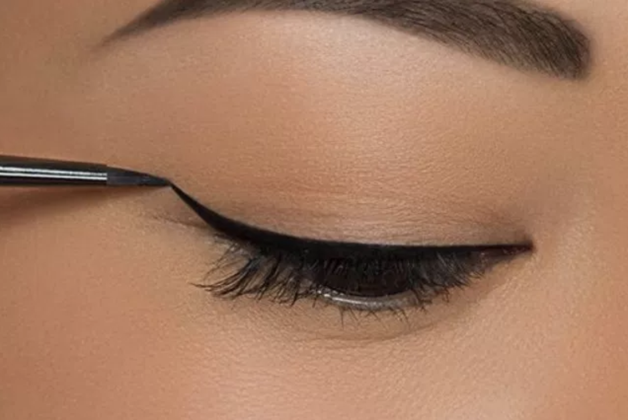 15 Magical Eyeliner Makeup Tips For Women With Hooded Eyes