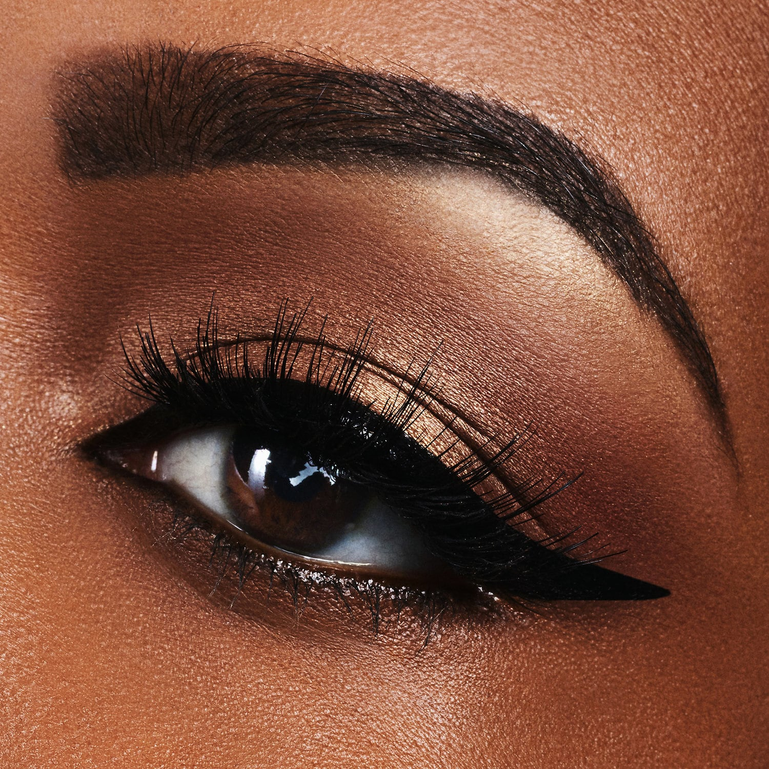 How To Apply Eyeliner Perfectly For Beginners