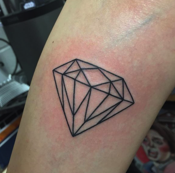 35 Best Traditional Diamond Tattoo Designs With Meanings