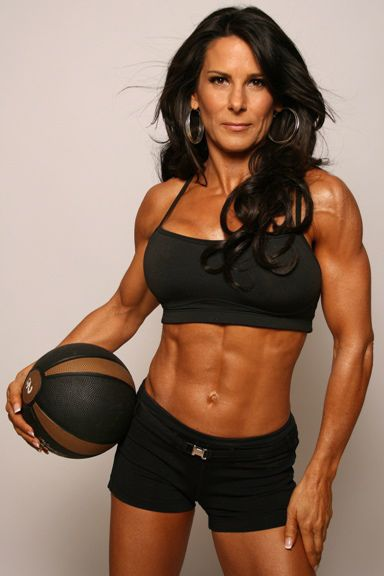 Top 10 HOT & Inspiring Female Fitness Models Over 40 (2018)