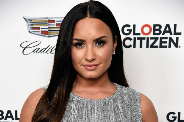 Demi Lovato's Family Wiki: 5 Facts About Her Parents And Sisters