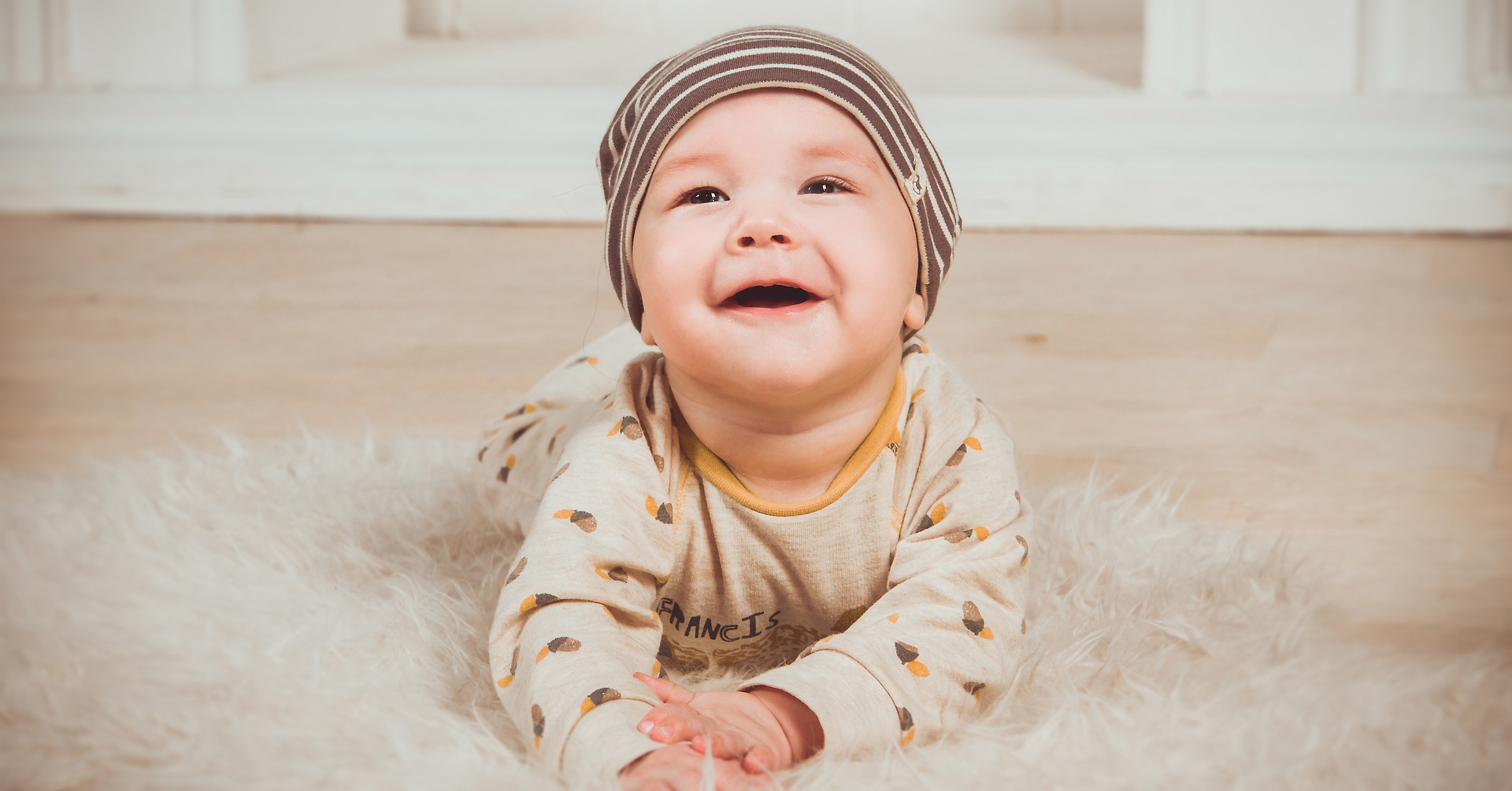 15 cute tongue-in-cheek personalized baby clothes