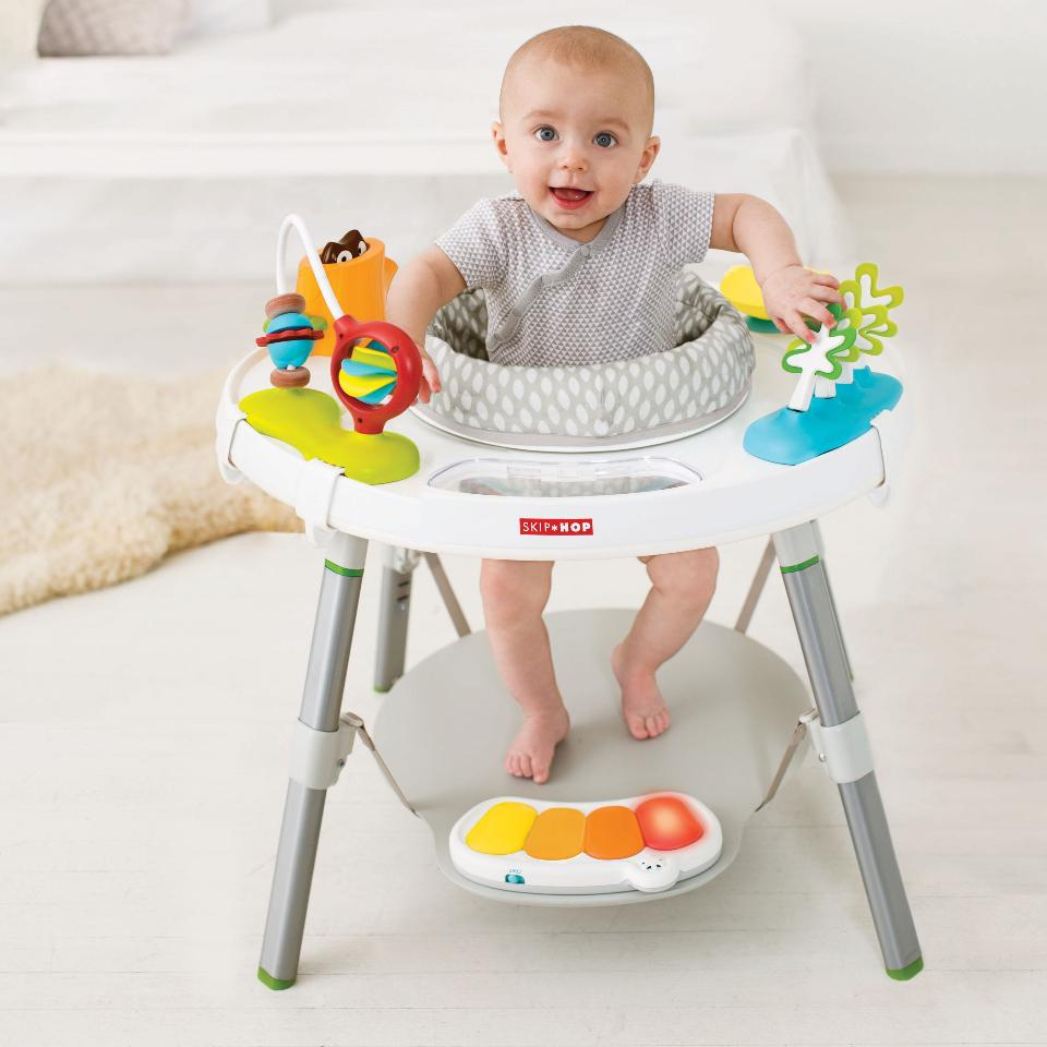 10 chosen baby activity centers to make playtime fun