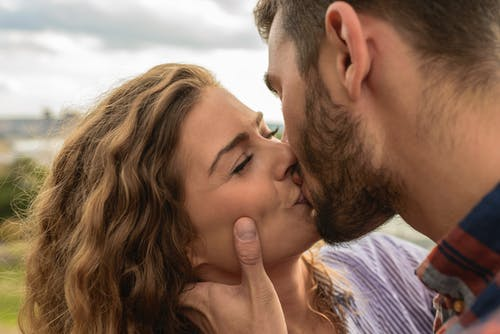 10 Ways to Build a Successful and Romantic Relationship