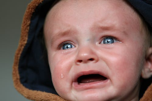 8 Top Tips on how to Soothe a Teething Baby and their Cries