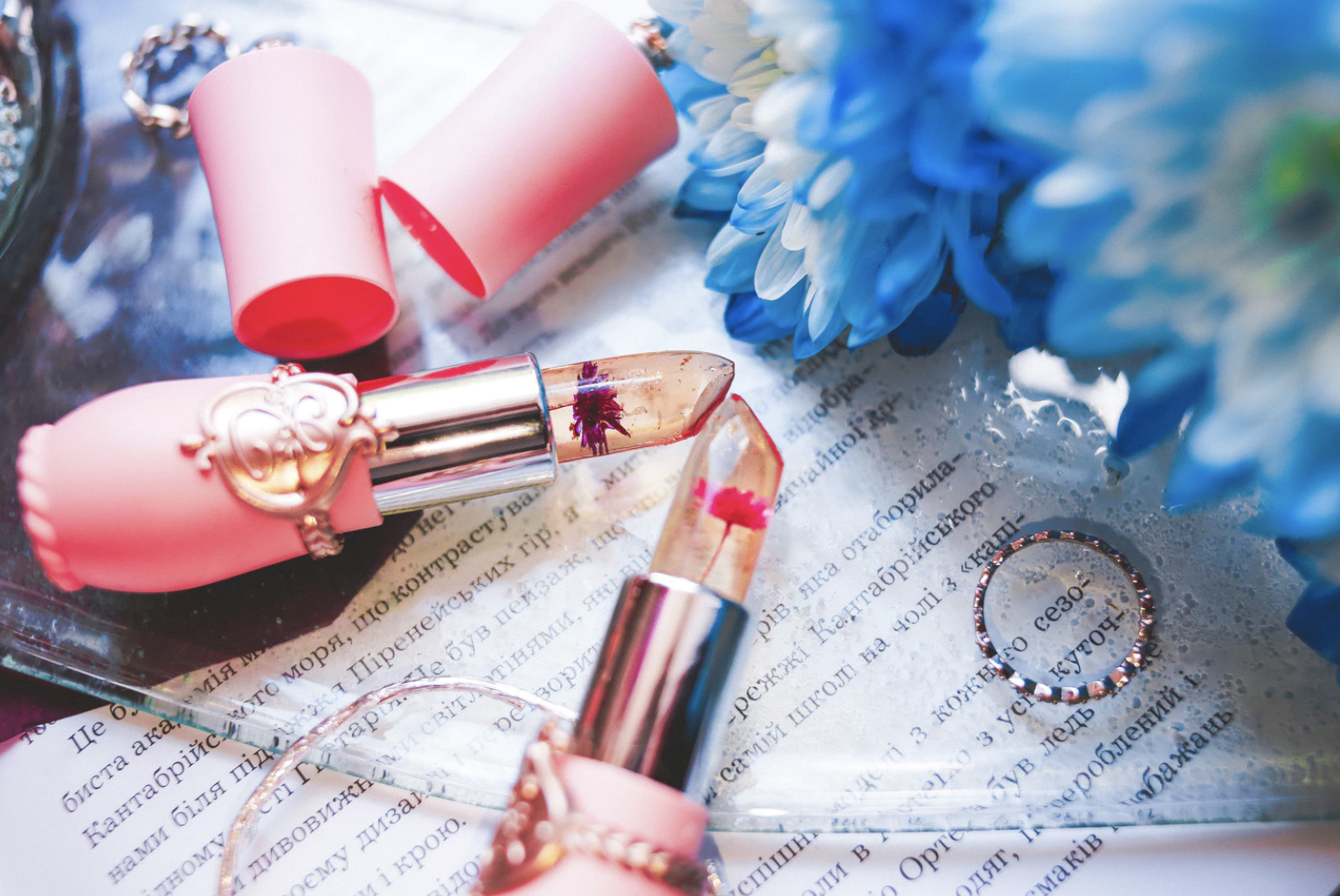 2019 most popular lipstick shades that never trends out