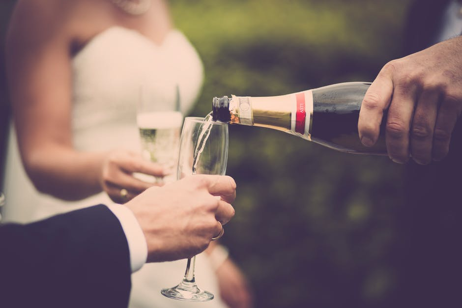 12 Tips on how to do a perfect and tear-worthy wedding toast