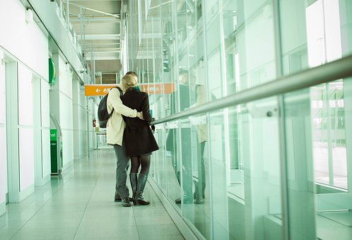 15 Advice to make long distance marriage life work