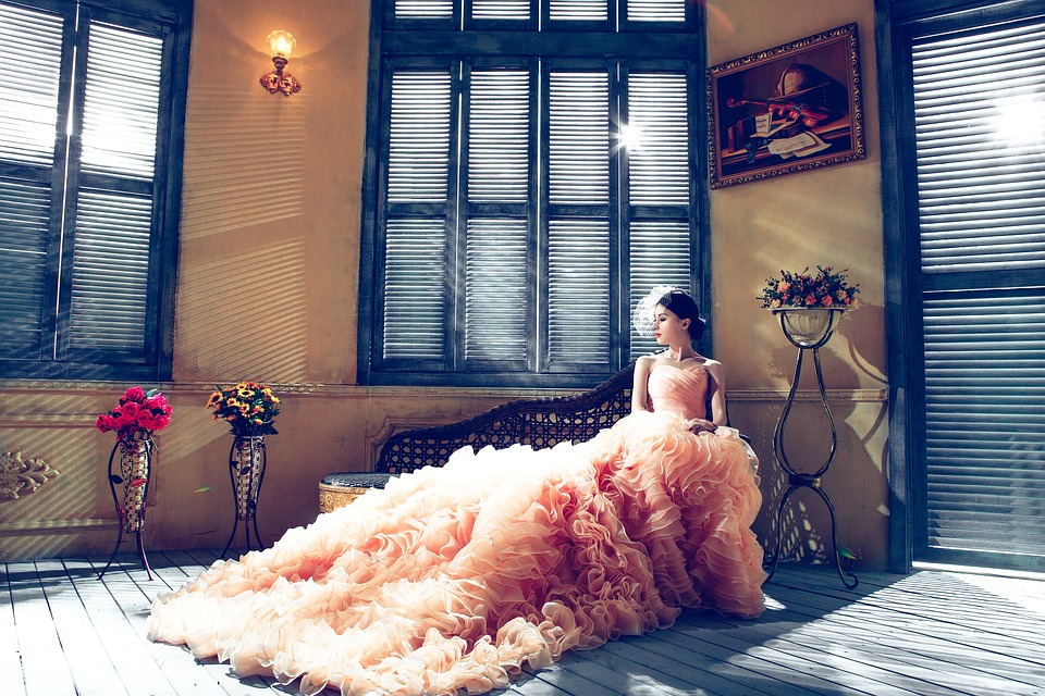 10 Non-traditional wedding dresses ideas for her