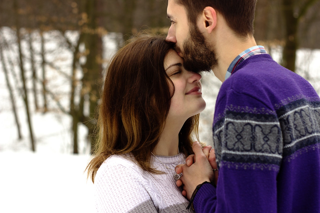 14 Obvious Signs He's In Love With You But Does Not Admit It