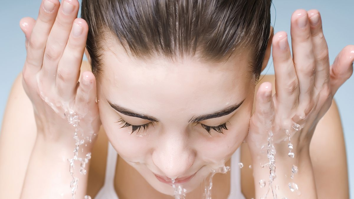 8 All Natural Face Wash That Are Made with Clean Ingredients
