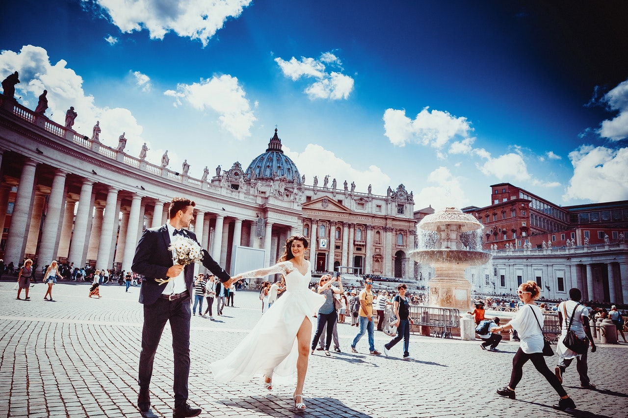 20 Romantic and love italian phrases to impress your date