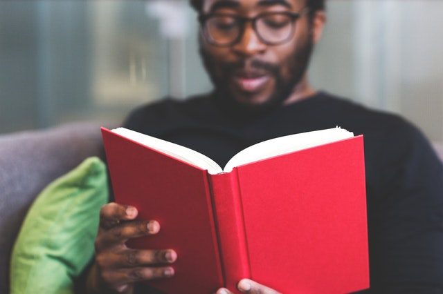 What Do You Need To Know When Dating A Book Lover