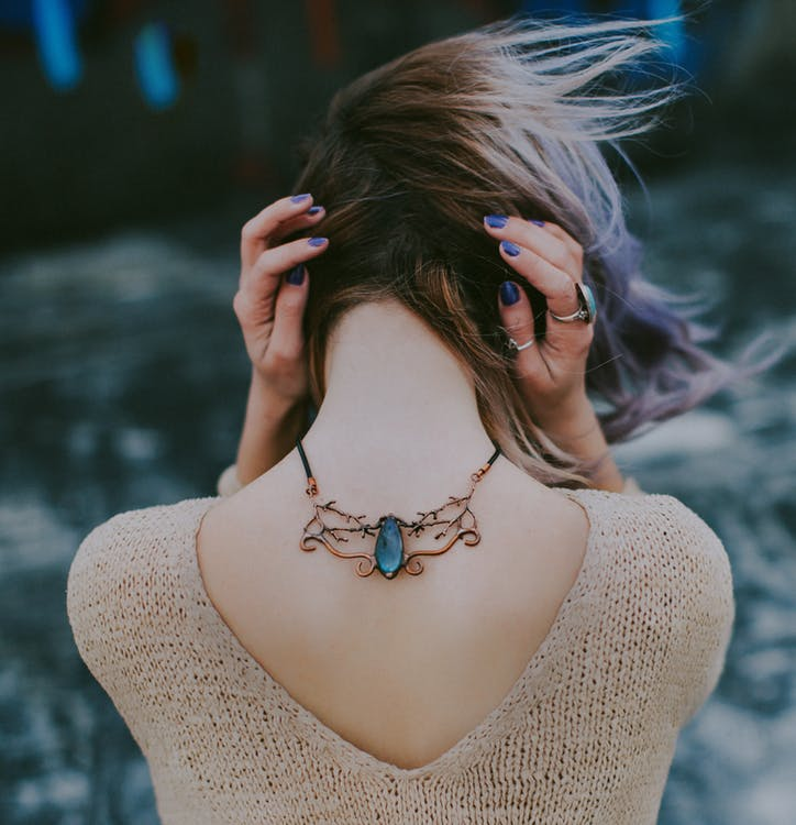 What Birthstone Gifts To Get For A Cancer Sign Woman?