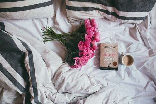 15 Sweet Or Sexy Stories For Your Girlfriend During Bedtime