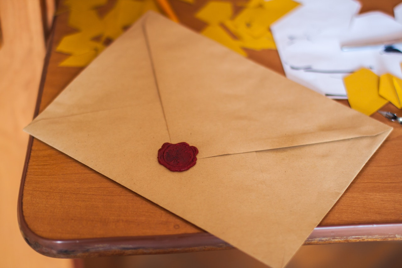 Why Old School Letters Can Be The Best Thing for LDR
