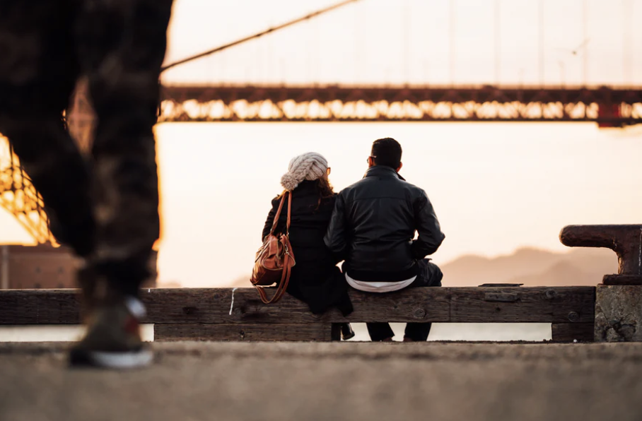 9 Witty Ways To Get A Guy To Ask You Out Without Him Knowing