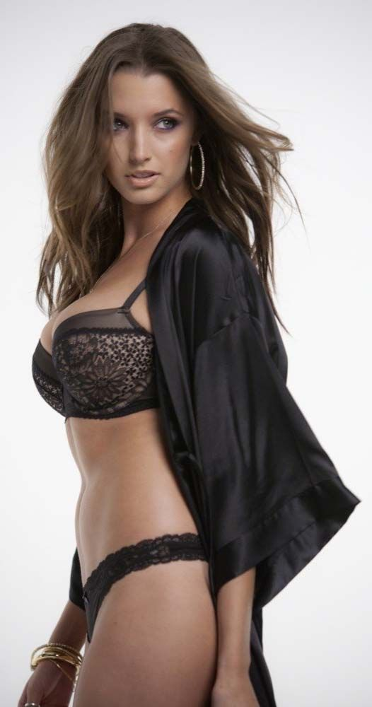 Who Is Alyssa Arce? Everything About Her And Relationships