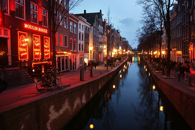 7 Things You Can Only Find in Amsterdam Red Light District!