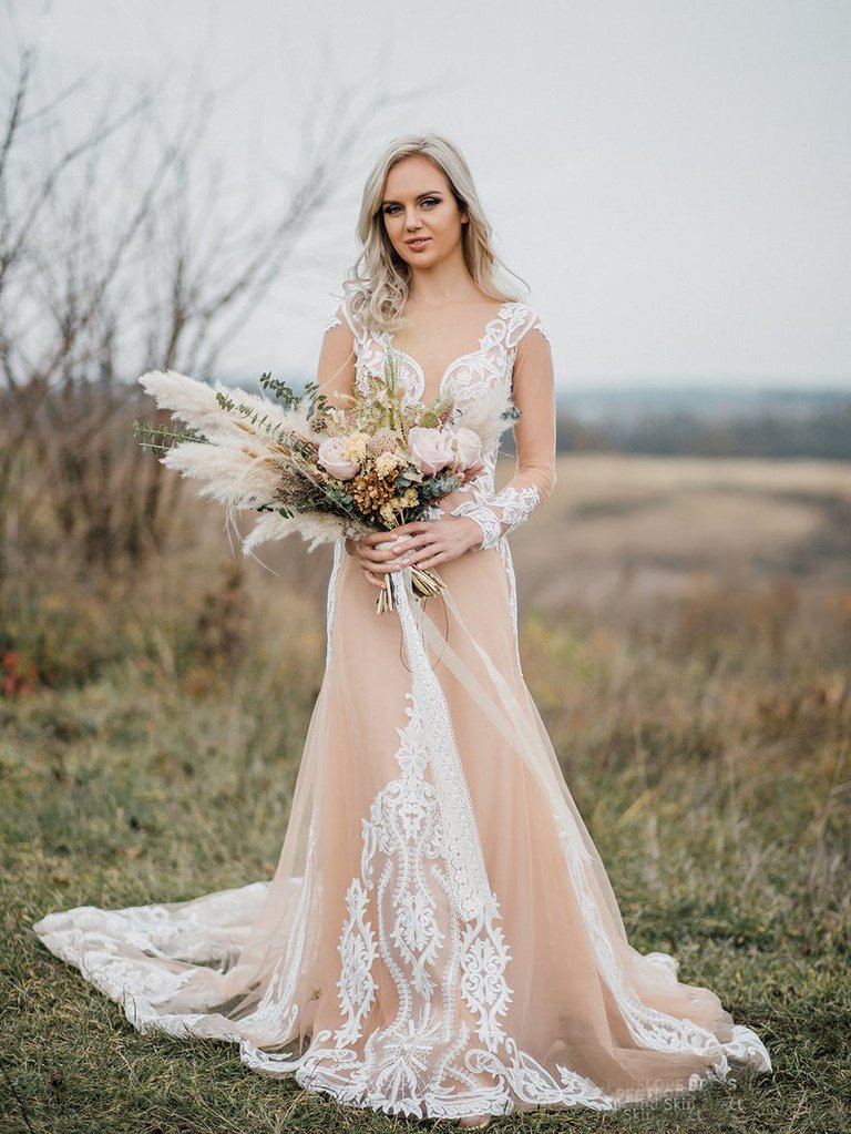 How Nude Wedding Dresses Become a Trend To Continue