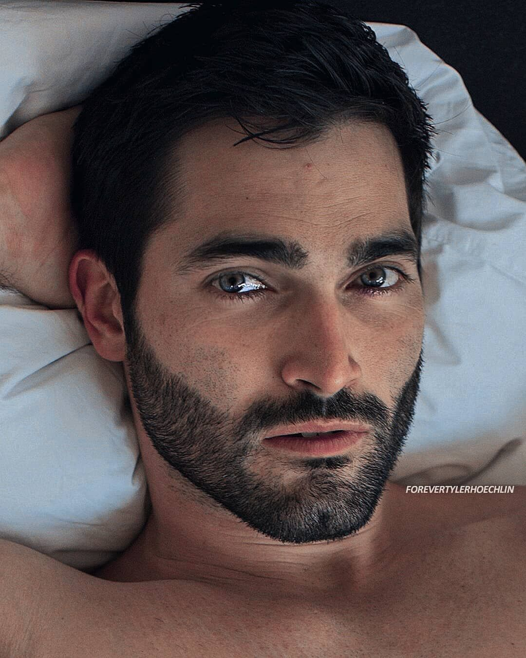 Who is American Actor Tyler Hoechlin? Know More About HIm!