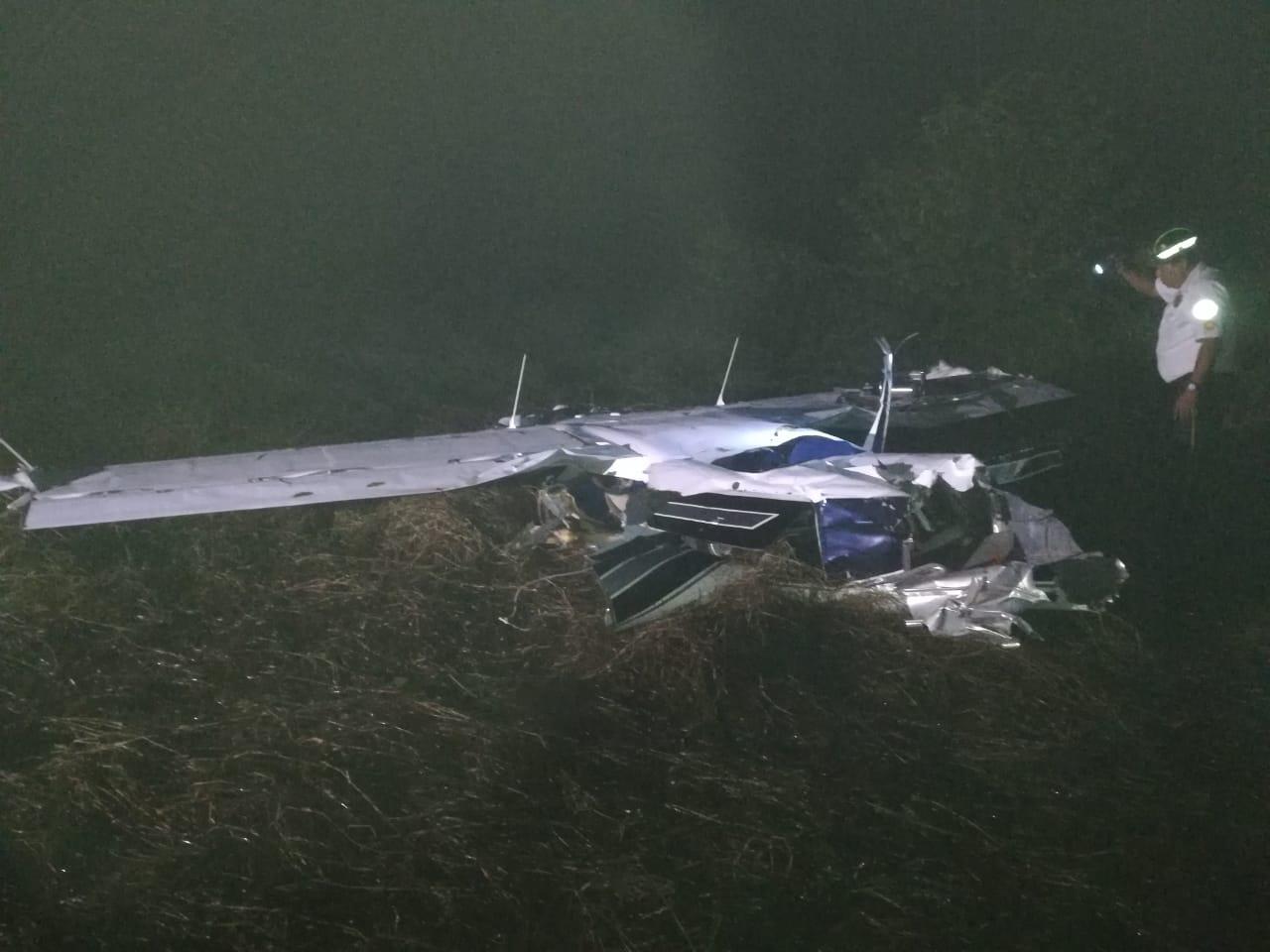 Mueren dos mexicanos en desplome de avioneta en Guatemala