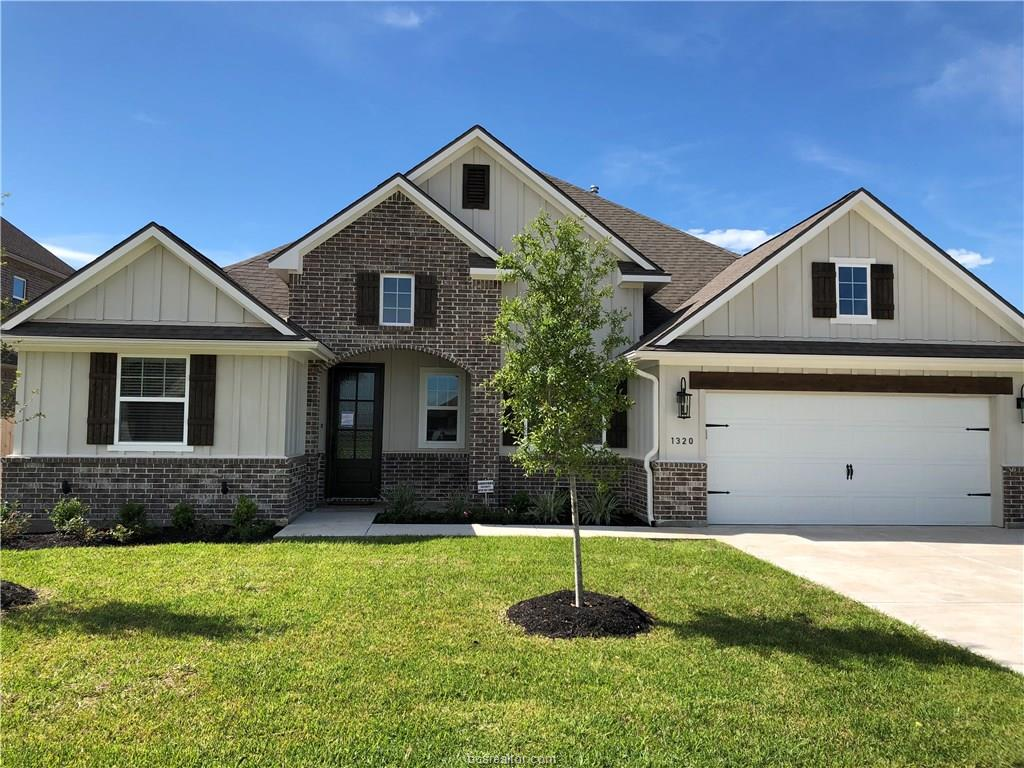 1320 Crystal, College Station, TX 77845
