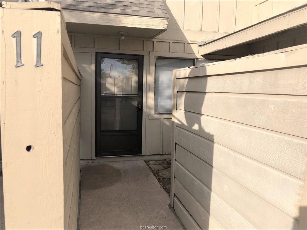 4401 Carter Creek #11, Bryan, TX 77802