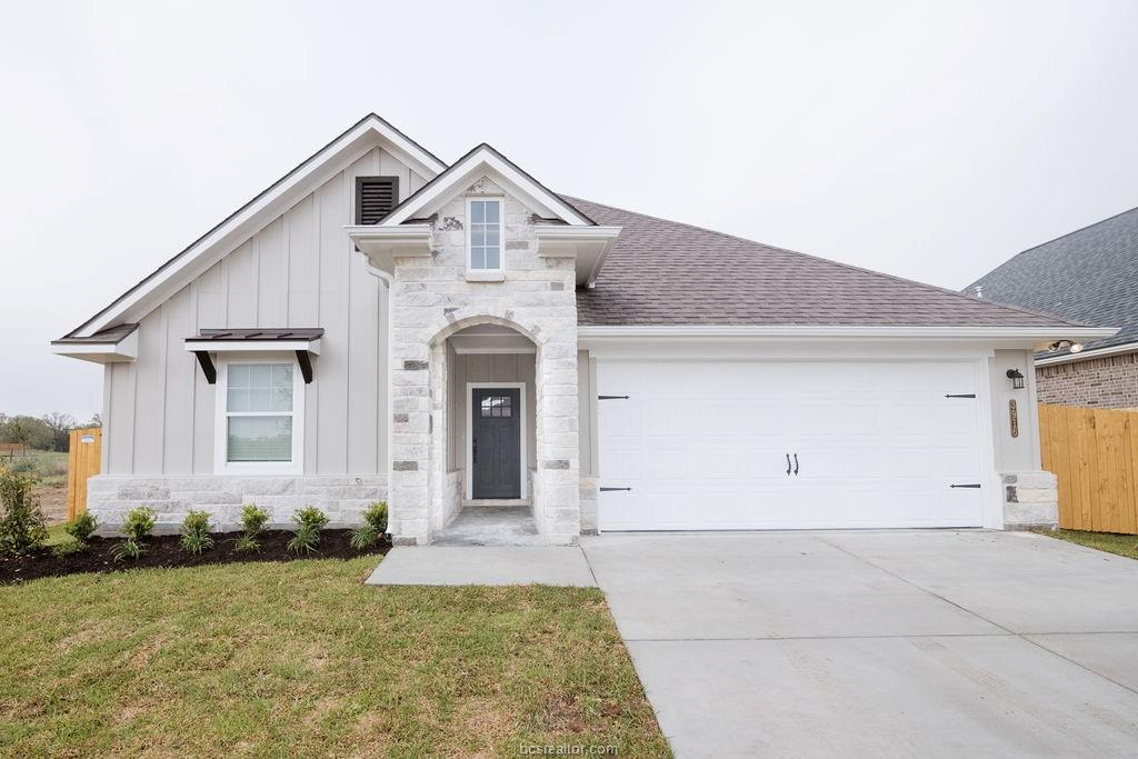 3916 Brownway, College Station, TX 77845