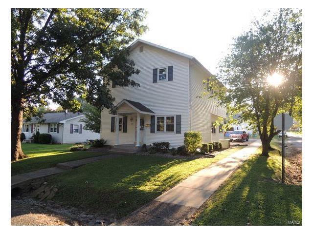 4 Bedroom, 4 Bathrooms, 1,830 sq. feet 423 Wyatt Street Greenville, IL