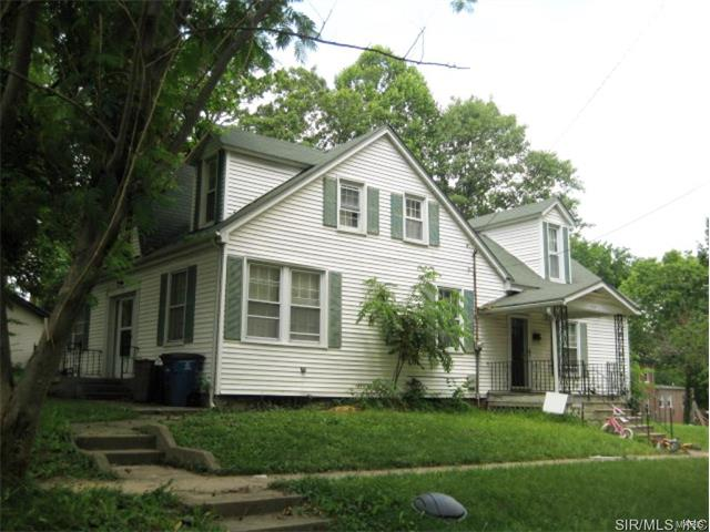 4 Bedroom, 2 Bathrooms, 2,525 sq. feet 337 North THIRD Street Greenville, IL