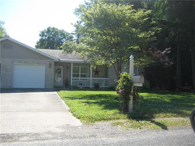 2 Bedroom, 2 Bathrooms, 1,155 sq. feet 222 North Dewey Street Greenville, IL