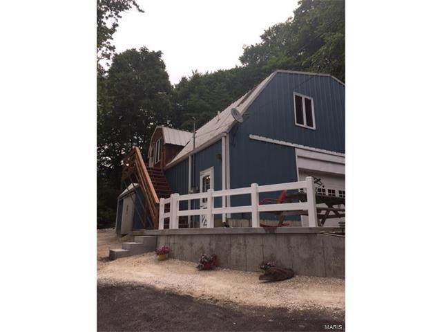 3 Bedroom, 3 Bathrooms, 4,000 sq. feet 501 North Springfield Street Grafton, IL