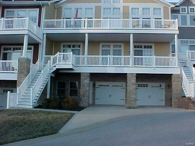 3 Bedroom, 3 Bathrooms, 2,350 sq. feet 304 Pelican Way #7 Grafton, IL