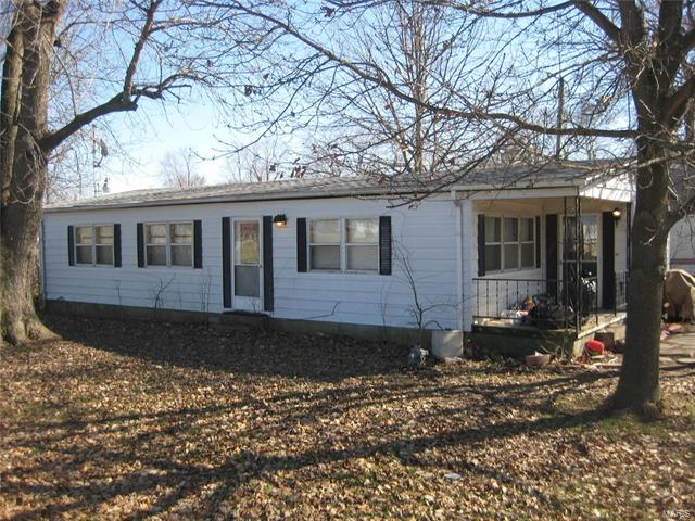 3 Bedroom, 2 Bathrooms, 1,104 sq. feet 200 Washington Smithboro, IL