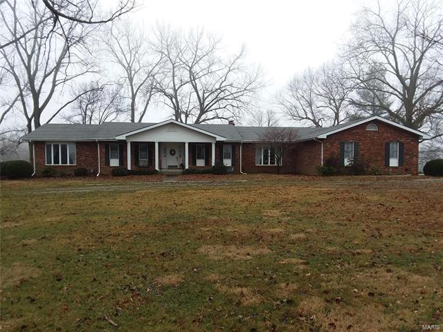 4 Bedroom, 4 Bathrooms, 2,847 sq. feet 1442 IL St Rt 140 Smithboro, IL