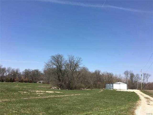 2 Bedroom, 1 Bathrooms,  881 Plant School Road Greenville, IL