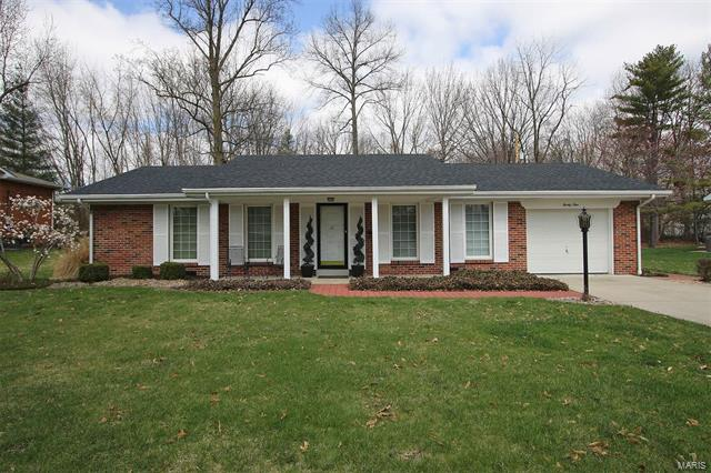 3 Bedroom, 2 Bathrooms, 1,430 sq. feet 21 Cardinal Drive Belleville, IL
