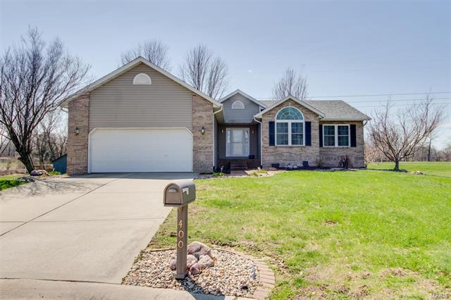 3 Bedroom, 2 Bathrooms, 1,320 sq. feet 400 Copper Bend Road Maryville, IL