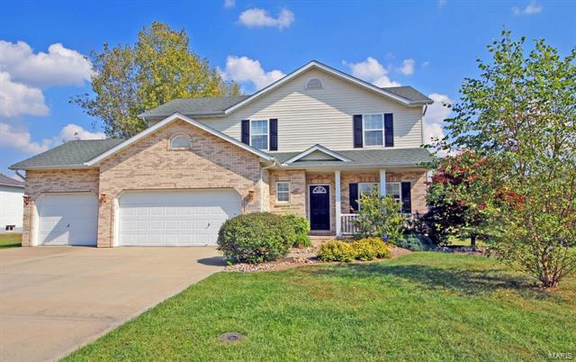 3 Bedroom, 3 Bathrooms, 2,419 sq. feet 2005 Richview Drive St Jacob, IL
