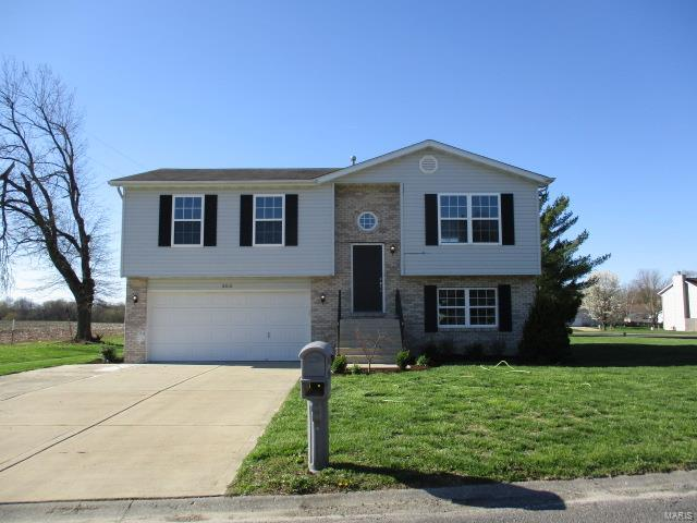 3 Bedroom, 3 Bathrooms, 732 sq. feet 303 Jo Mar Avenue Smithton, IL