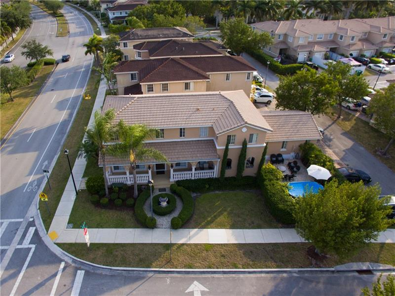Photo - 13951 SW 272nd St, Homestead