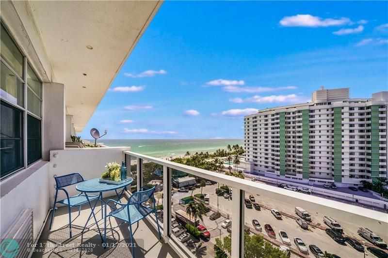 5313 Collins Ave #1104