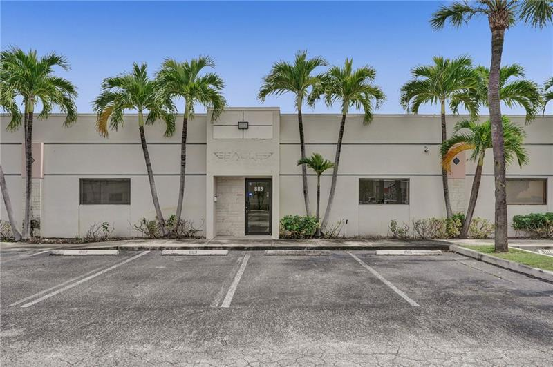 8113 NW 33rd St - 1