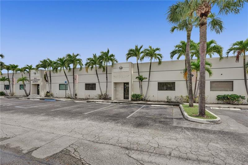 8113 NW 33rd St - 3