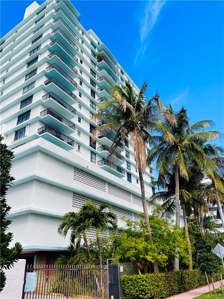 1800 Collins Ave #3J